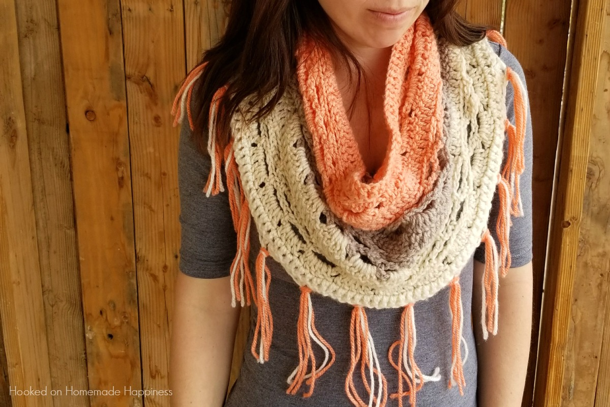 Just Peachy Cowl Crochet Pattern Hooked On Homemade Happiness