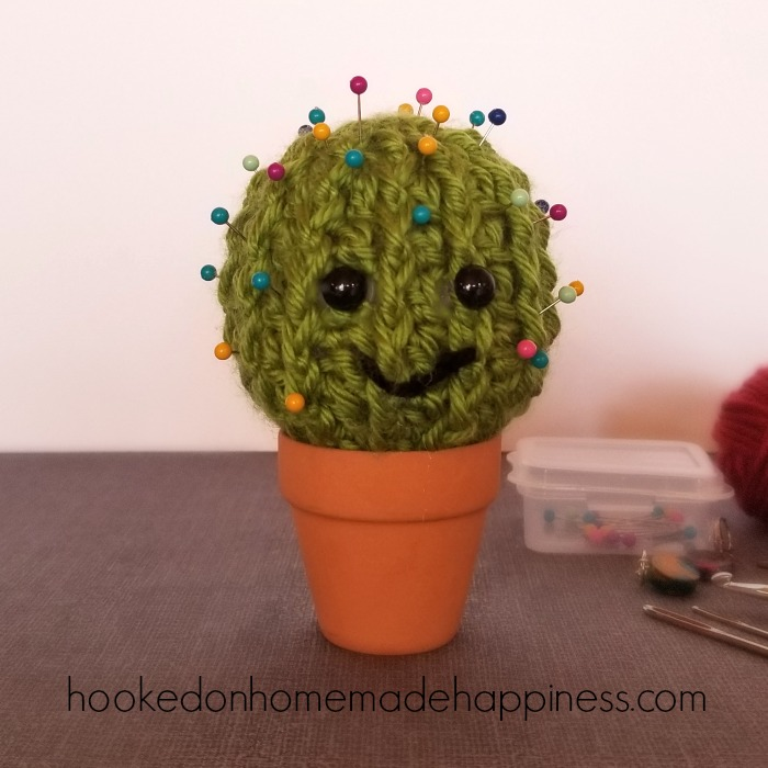 Crochet Cactus Pincushion