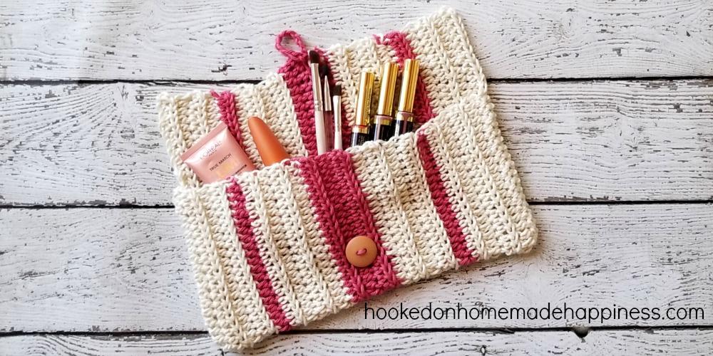 So Easy Crochet Make Up Bag Hooked On Homemade Happiness