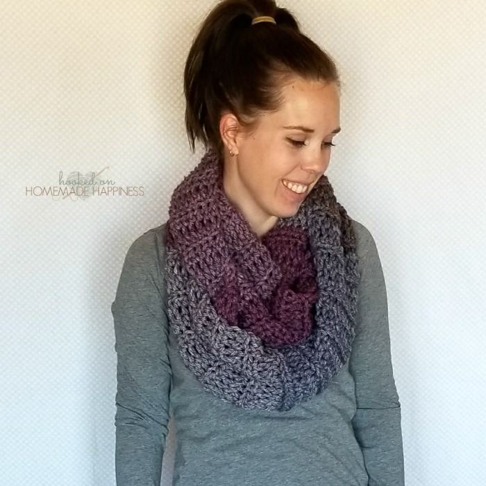 Easy Textured Scarf | Hooked on Homemade Happiness