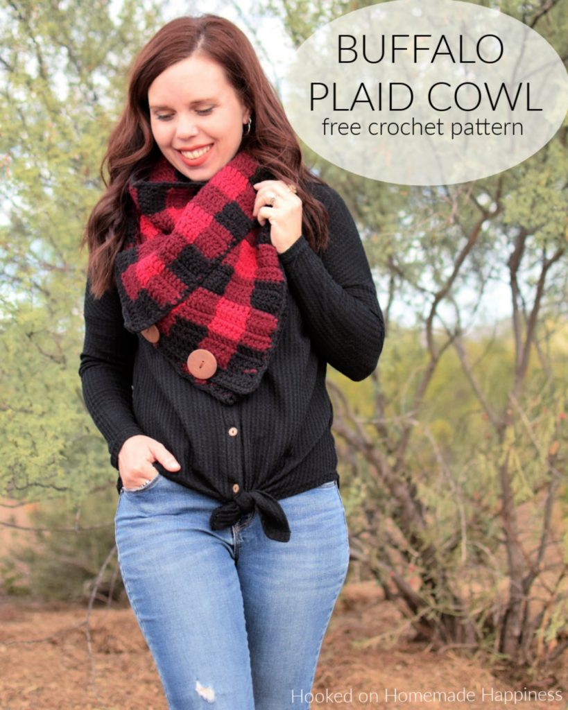 Buffalo Plaid Cowl Crochet Pattern - Creating this Buffalo Cowl Crochet Pattern is easier than you might think! Grab three colors, your H hook and you'll have this it whipped up in no time.