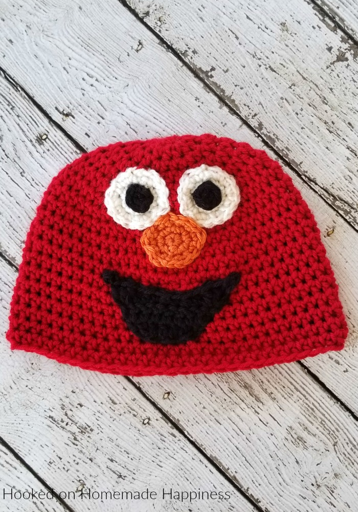 Elmo Crochet Beanie Pattern - Do you know an Elmo fan? My son loves this Elmo Crochet Beanie Pattern and has already claimed this one as his own.
