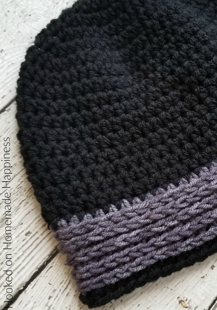Easy All HDC Beanie Crochet Pattern - The Easy All HDC Beanie Crochet Pattern is just that... easy & all HDC! I think half double crochet is my favorite basic stitch. There are just so many ways you can make it textured and interesting. #crochet #crochetpattern #freecrochetpattern