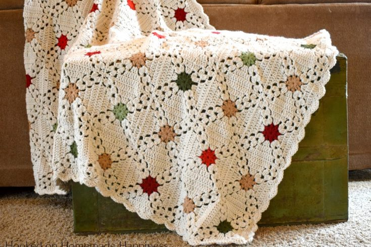 Country Christmas Afghan Crochet Pattern - The Country Christmas Afghan Crochet Pattern is one of my favorite blankets I've made. These granny squares are easier than they seem and I love how they look when they're joined.