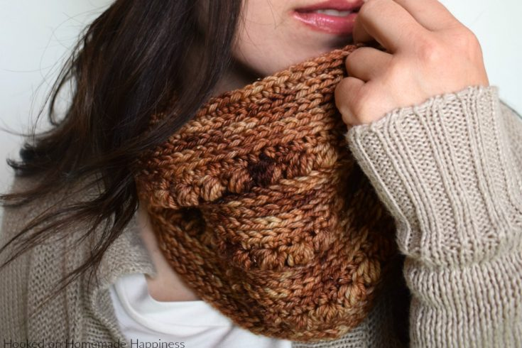 Gilded Cowl Crochet Pattern - The Gilded Cowl Crochet Pattern uses two of my favorite crochet stitches to create this pretty texture; hdc in the 3rd loop and the pebble stitch. This cowl fits close to the neck and is tall enough to cover your chilly nose. It's a nice and toasty cowl!