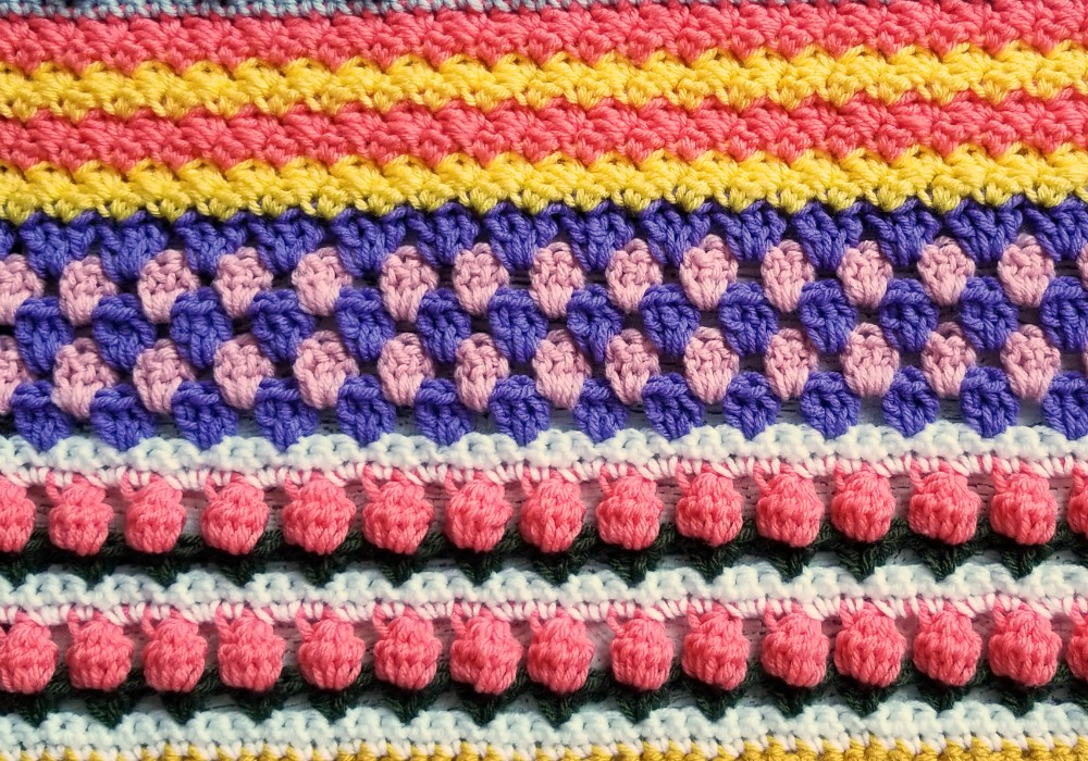 Welcome to Part 7 of the Stitch Sampler Scrapghan CAL! This week is the Granny Stripe Stitch.