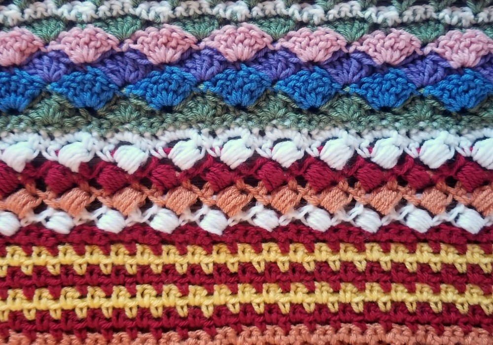 Welcome to Part 12 of the Stitch Sampler Scrapghan CAL!! This week is a fun stitch called the Crossed Puff Stitch.