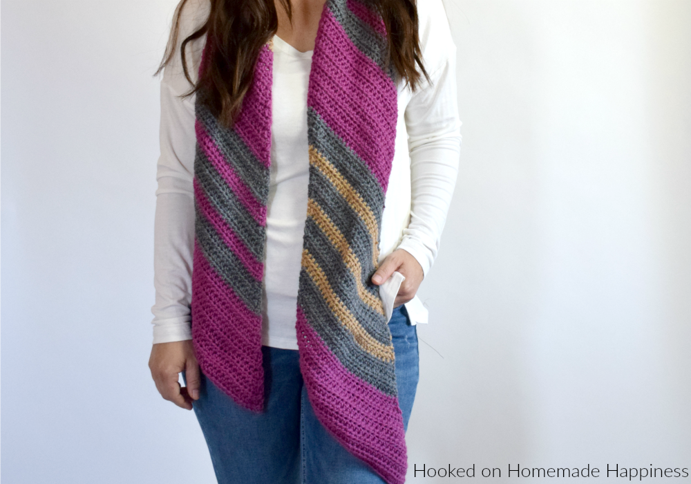 Easy Diagonal Scarf Crochet Pattern - The Easy Diagonal Scarf Crochet Pattern is just that... easy! You can make any simple striped scarf a little extra fun by making it diagonal.