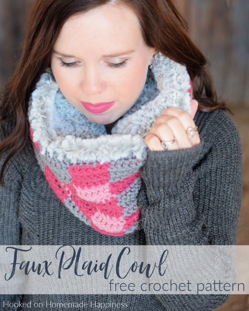 Faux Plaid Cowl Crochet Pattern - The Faux Plaid Cowl Crochet Pattern is the warmest cowl I have ever worn! It has a double layer of warmth from the faux fur sewn on the inside.