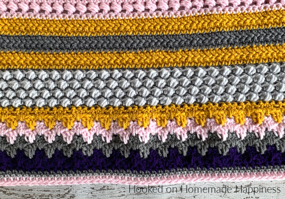 The first stitch for the Stitch Sampler Scrapghan is the Granny Spike Stitch! It's a lot like the classic granny stripe, but it has an added spike stitch which adds some texture and dimension.